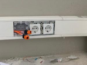 netwerk kabels in goot