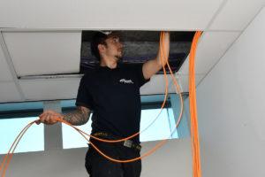 netwerk kabels trekken