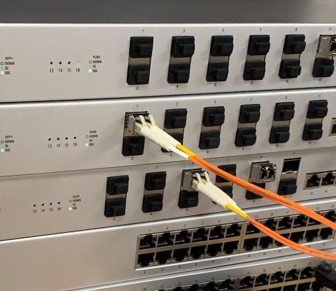 managed wifi ubnt unifi switch