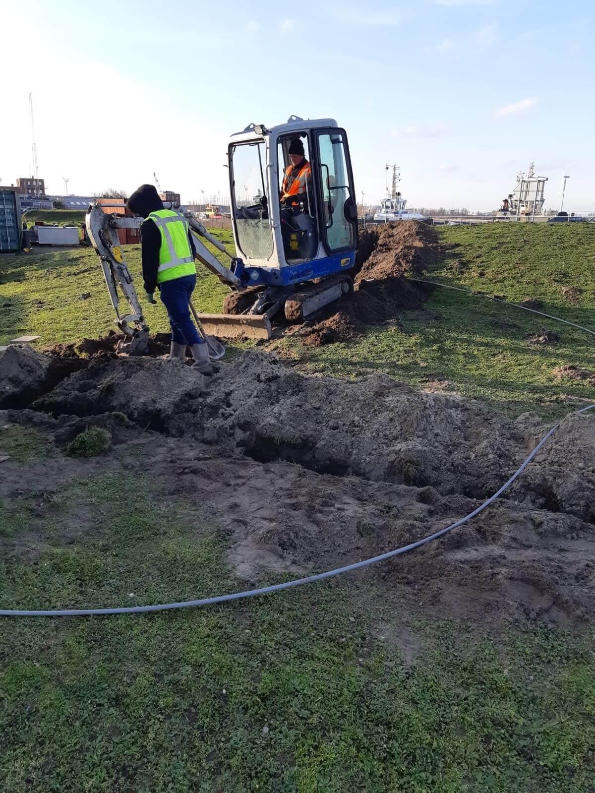 Bekabeling graven voor netwerk glasvezel bekabeling