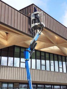 camera installeren met hoogwerker